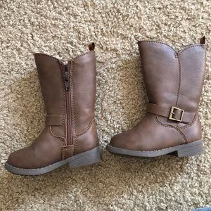 Brown toddler boots